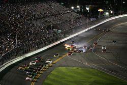 Paulie Harraka, Wauters Motorsport Ford en Jason Leffler, Kyle Busch Motorsports Toyota crash, Dakod