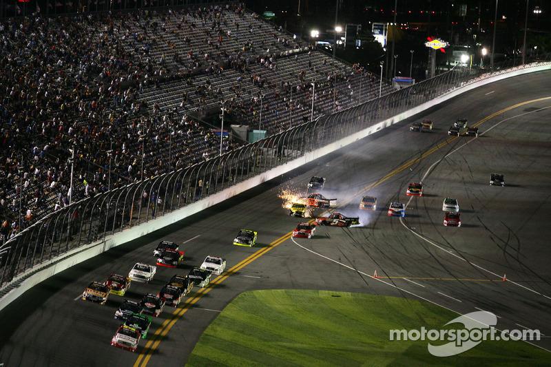 Paulie Harraka, Wauters Motorsport Ford and Jason Leffler, Kyle Busch Motorsports Toyota crash while Dakoda Armstrong, ThorSport Racing Toyota spins