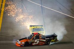 Paulie Harraka, Wauters Motorsport Ford and Jason Leffler, Kyle Busch Motorsports Toyota crash