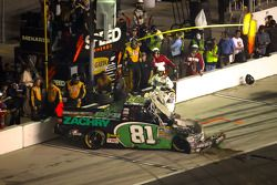 David Starr, Toyota crashes into the pitlane wall