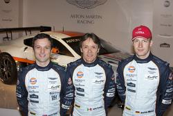 Адриан Фернандес, Даррен Тернер и Штефан Мюкке. Презентация Aston Martin Racing, презентация.