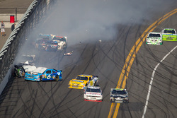Kyle Busch, Kyle Busch Motorsports Toyota and Ricky Stenhouse Jr., Roush Fenway Ford collide