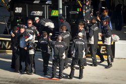 Turner Motorsports Chevrolet team viert zege James Buescher