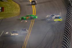 Crash with Danica Patrick, Stewart-Haas Racing Chevrolet, Jimmie Johnson, Hendrick Motorsports Chevrolet, Paul Menard, Richard Childress Racing Chevrolet