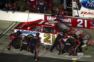 Trevor Bayne, Wood Brothers Racing Ford in the pits with damage