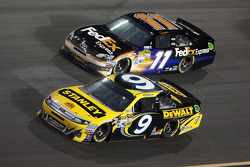Marcos Ambrose, Richard Petty Motorsports Ford and Denny Hamlin, Joe Gibbs Racing Toyota
