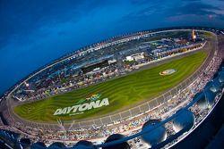 Daytona 500 yarışı öncesi hazırlıkların yukarıdan görünüşü