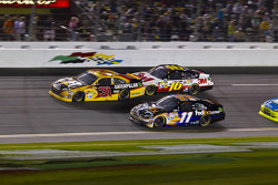 Denny Hamlin, Joe Gibbs Racing Toyota, Jeff Burton, Richard Childress Racing Chevrolet