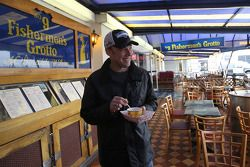 Daytona 500 winner Matt Kenseth visits fishman's warf