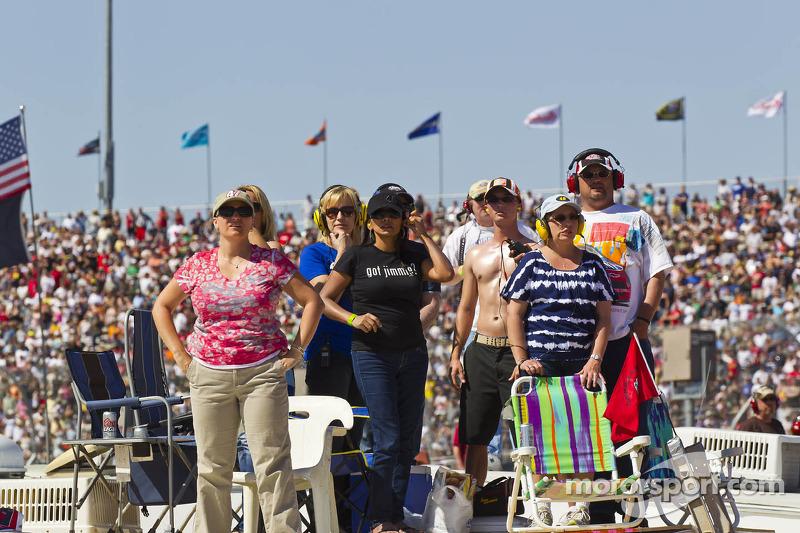 Fans wachten voor de start