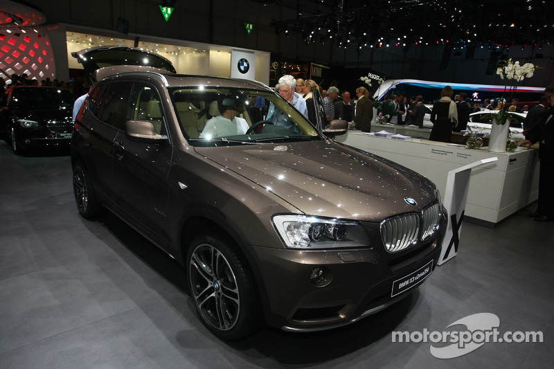 bmw x3 xdrive 35d op geneva international auto show automotive foto 39 s. Black Bedroom Furniture Sets. Home Design Ideas
