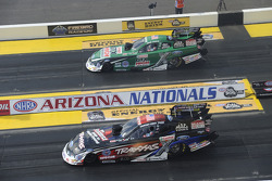 John Force en Courtney Force