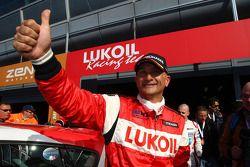 Gabriele Tarquini, SEAT Leon WTCC, Lukoil Racing Team pole position