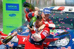 Podium: winner Sébastien Loeb and Mikko Hirvonen, Citroën Total World Rally Team