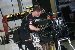 Team Lotus mechanic
