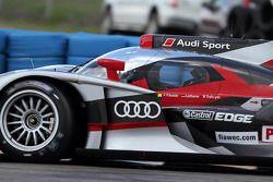 السيارة رقم 1 فريق أودي سبورت جوست أودي آر18: مارسل فاسلر، أندريه لوتيرر، بينوا تريلوير