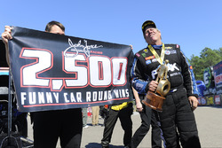 Ganador de Funny Car, John Force