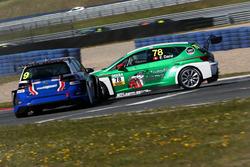 Crash von Fabian Danz, Schläppi Race-Tec, Seat Leon TCR und Stefan Goede, Liqui Moly Team Engstler, VW Golf GTI TCR
