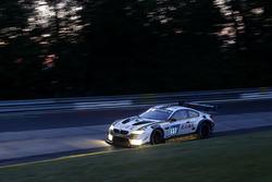 #99 Rowe Racing, BMW M6 GT3: Филипп Энг, Александр Симс, Максим Мартен, Марк Бассенг