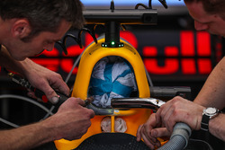 Red Bull Racing RB13, detalle de la caja de aire
