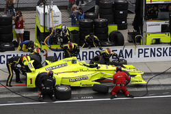Simon Pagenaud, Team Penske Chevrolet pit stop