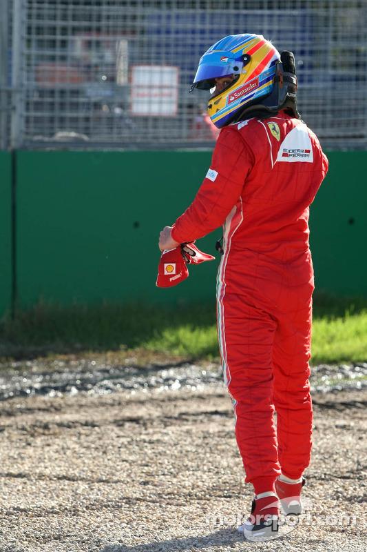 Fernando Alonso, Scuderia Ferrari van de baan in Q2