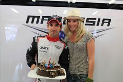 Timo Glock, Marussia F1 Team viert 30ste verjaardag met vriendin Isabell Reis