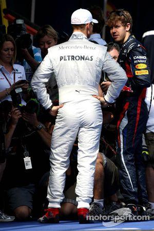 Michael Schumacher, Mercedes GP ve Sebastian Vettel, Red Bull Racing