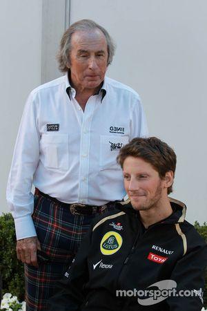 Sir Jackie Stewart met Romain Grosjean, Lotus Renault F1 Team