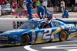 Race winnaar Brad Keselowski, Penske Racing Dodge