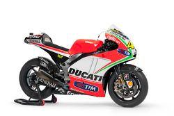Презентация Ducati Desmosedici GP12, студийная фотосессия.