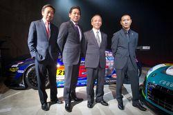 Michael Kim, Ken Kobayashi, Mikio Hitotsuyama en Hideki Noda