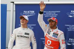 Michael Schumacher, Mercedes GP celebra su tercer puesto de la calificación en parc ferme con el gan