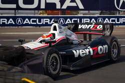 Will Power, Verizon Team Penske Chevrolet in the tire wall