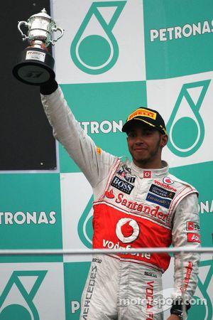 Podio: tercer lugar Lewis Hamilton, McLaren Mercedes