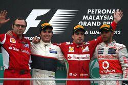 Stefano Domenicali, Scuderia Ferrari Sporting Director, Sergio Pérez, Sauber F1 Team, Fernando Alons
