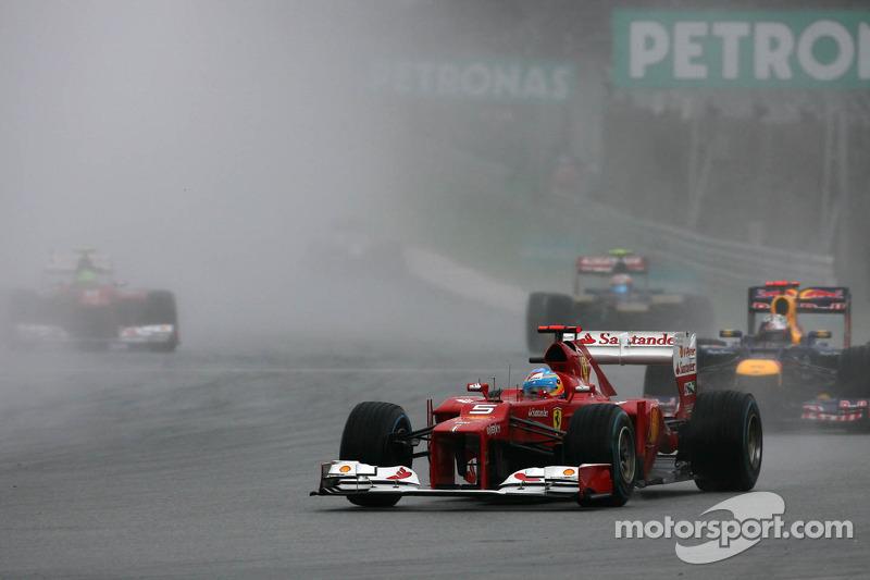 أحرز فرناندو ألونسو الفوز في جائزة ماليزيا الكبرى 2012 ضمن ظروف جوية صعبة
