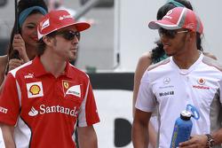 Fernando Alonso, Scuderia Ferrari y Lewis Hamilton, McLaren Mercedes