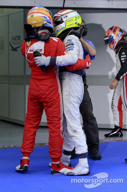 Ganador Fernando Alonso, Scuderia Ferrari y segundo lugar Sergio Pérez, Sauber F1 Team