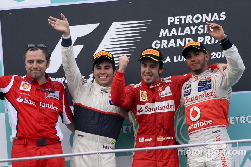 Em 2012, Alonso venceu três vezes; a primeira foi na Malásia, à frente de Sergio Pérez, da Sauber, e Hamilton