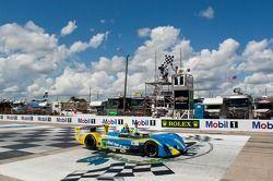 Tristan Nunez pakt overwinning Race #1