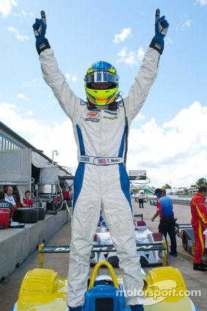 Tristan Nunez viert Race #1 Victory