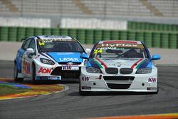 James Nash, Ford Focus S2000 TC, Team Aon en Isaac Tutumlu, BMW 320 TC, Proteam Racing