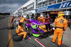 Pit stop for #2 Cars Tokai Dream28 Shiden MC/RT-16: Kazuho Takahashi, Hiroki Kato