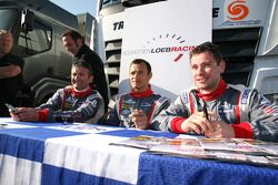 Николя Минассян, Стефан Сарразен и Николя Маррок. Ле-Кастелле, воскресенье, перед гонкой.