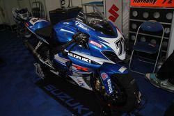72 - Anthony Delhalle - Suzuki GSX-R 1000 - Junior Team L.M.S. Suzuki