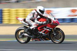16-Caroline Locussol-Yamaha R6-Planet Motor Racing