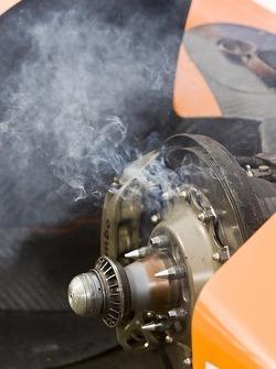 Des freins fumant