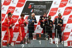 Podium: winnaar Gregory Guilvert, Marc Sourd, 2de Stefano Gai en Michael Lyons, 3de Dominik Baumann,