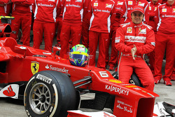 Felipe Massa, Scuderia Ferrari at a team photograph